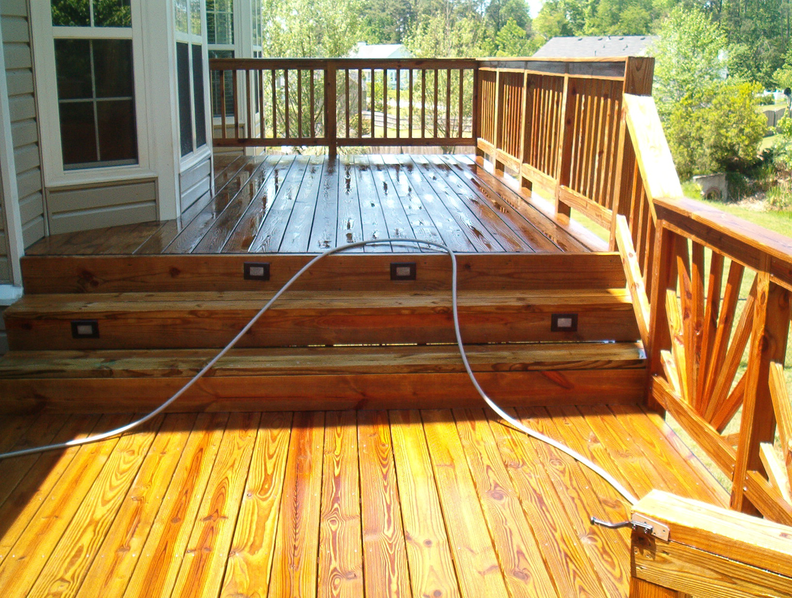 pinpoint-maintenance-deck-cleaning